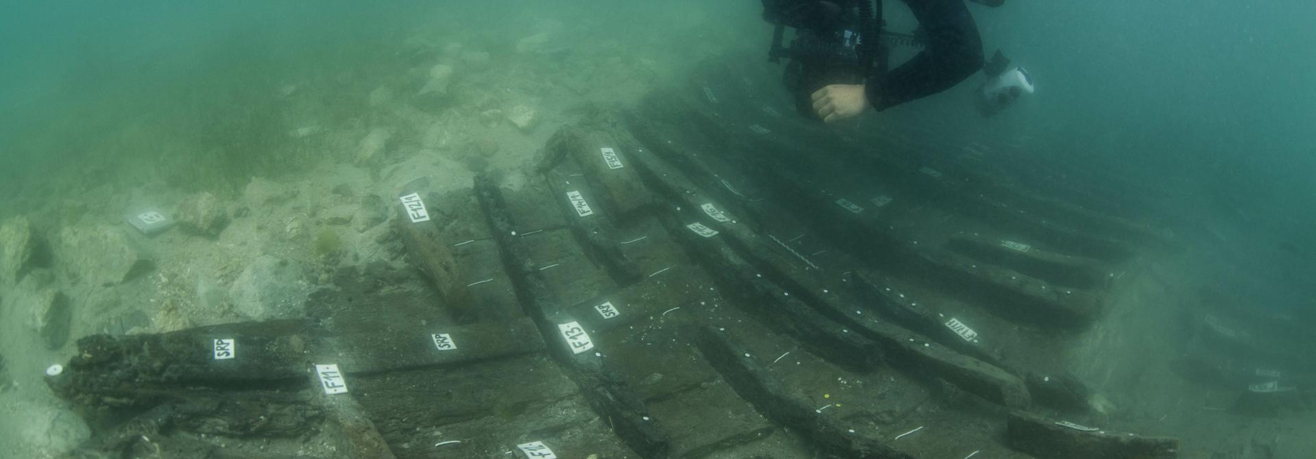 Trstenik - Kaštela-A 1st c. AD cargo ship, sunk on purpose to reinforce the operative waterfront of a villa in the ager of ancient Salona, the capital of the Roman province of Dalmatia. (Photo: Božo Vukičević)